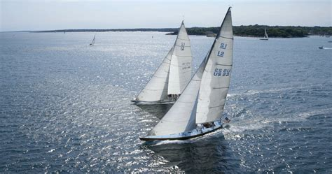 hiring  meter charters crew member position   foot charter sailing yacht