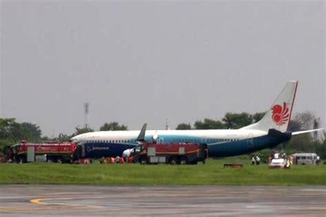 Airplane Pesawat Wallpaper Surabaya pesawat air tergelincir di bandara juanda