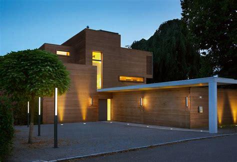 eingangsbereich haus außen terrasse design beleuchtung