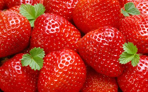 strawberry color strawberry colors photo 34537383 fanpop