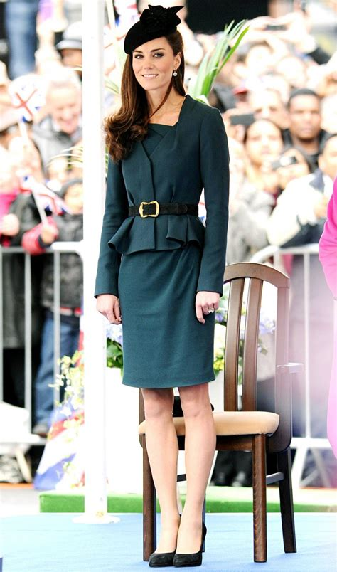 kate middleton  considered  style icon dressh