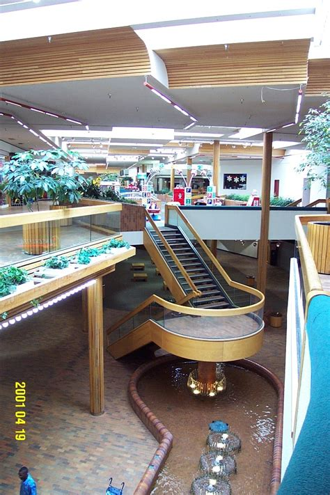 Banister Mall by Bannister Mall Kansas City Missouri Labelscar