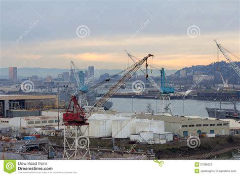 l repair portland or repair shipyard along willamette river in portland oregon