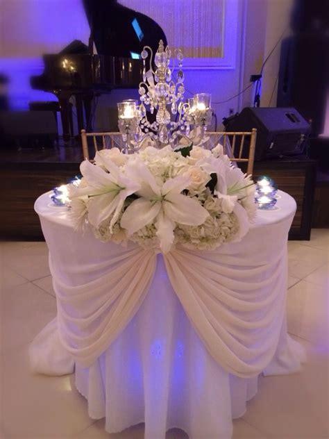 Sweetheart table   Chez Rose floral designs   Pinterest