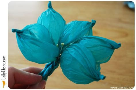 How To Make Tissue Paper Flower Balls - diy beautiful tissue paper flower using a golf