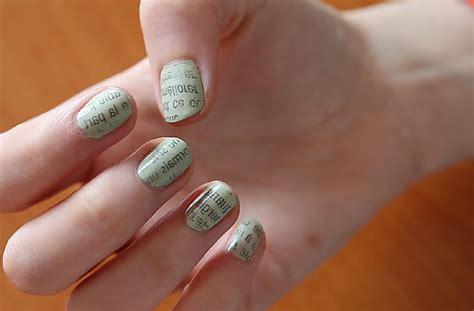 nail design journal nail art effet journeaux amathico le blog