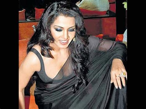 Riya Sen Wardrobe by Most Seductive Saree Slips We Seen Boldsky