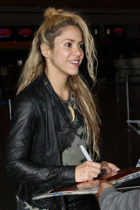 haircut boston airport shakira travel outfit airport in boston 06 03 2017