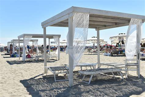 gazebo spiaggia bagni lungomare il pi 249 grande stabilimento balneare di