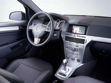 opel astra 2005 interior opel astra gtc 2005 picture 10 of 15