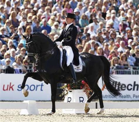 best dressage edward gal and moorlands totilas what does a 92 3 fei dressage test look like