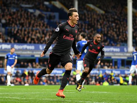 alexis sanchez everton goal everton vs arsenal live mesut 214 zil and alexis sanchez