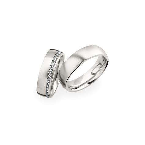 matching pair graduated wedding rings christian