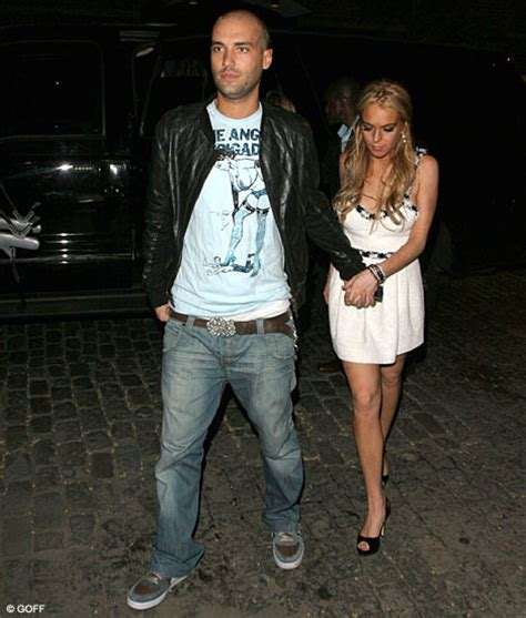 Lindsay Lohan And Calum Best Fight It Out by Lindsay Takes To Meet Boyfriend Calum Daily Mail