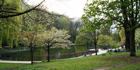Britzer Garten Große Spiel Und Liegewiese by Top10 Liste Parks Top10berlin