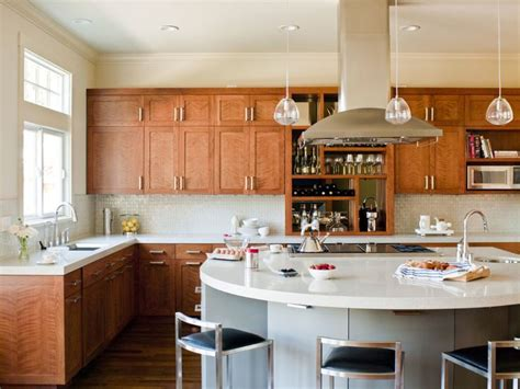 kitchen ideas cherry cabinets 25 best ideas about cherry kitchen cabinets on cherry wood cabinets cherry kitchen