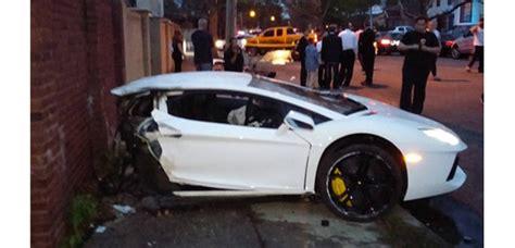 lamborghini aventador split in half lamborghini aventador split in half in ny crash
