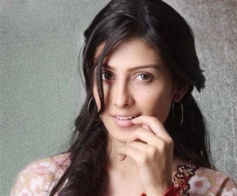 indian tv commercial actress list ayeza khan aiza in samsung pehchan tvc