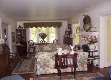 bed and breakfast holland mi dutch colonial inn bed and breakfast holland michigan