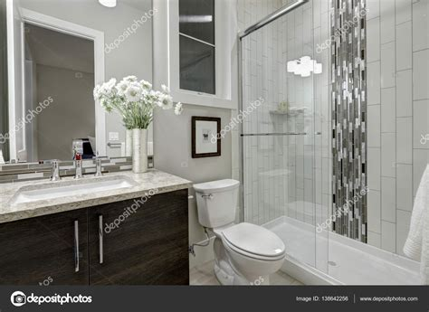 docce di lusso docce di lusso di lusso design sopra bagno bianco