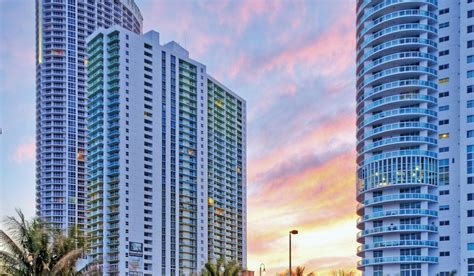 rent appartment miami bay parc plaza apartments rentals miami fl apartments com