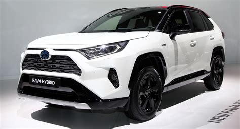 2019 toyota rav4 hybrid europe s 2019 toyota rav4 hybrid debuts in with 219