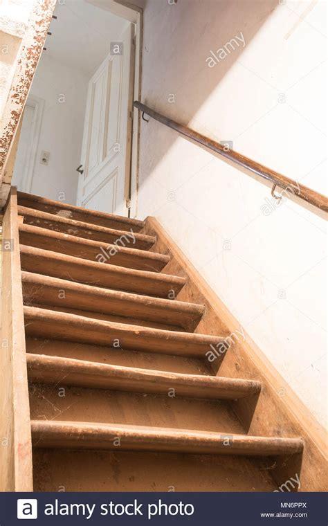scale per soffitta retr 242 scale per la soffitta della vecchia casa