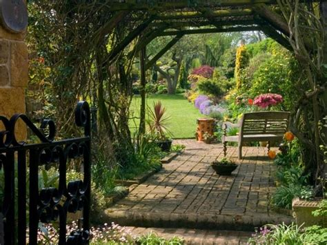 country backyard 5 looks to inspire your very own english country garden