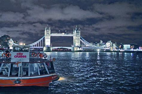 thames river cruise with bubbly canapes river lights cruise hotel package tickets