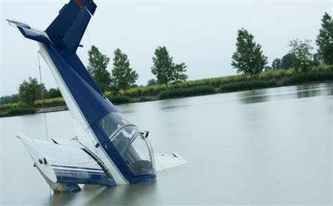 Air 2 Di Manado Pesawat Carteran Elang Nusantara Air Jatuh Di Kema Tribun Manado