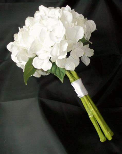 Bridesmaid Flowers by Best 25 Hydrangea Wedding Bouquets Ideas On