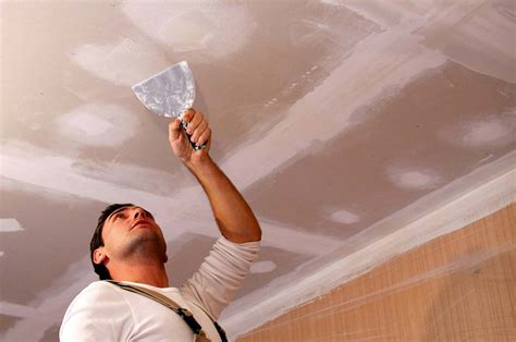 Filling Cracks In Plaster Ceiling by Repairing Ceilings Homebuilding Renovating