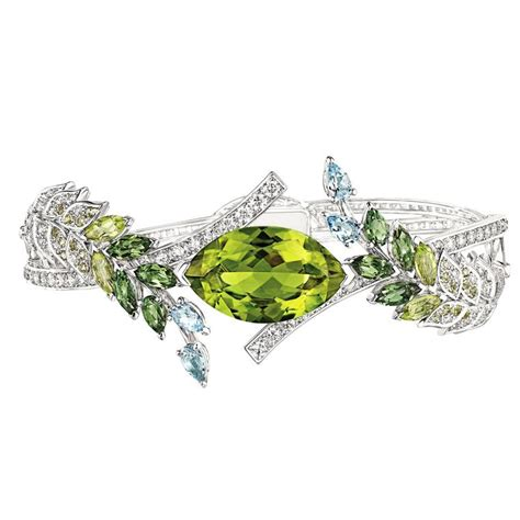 Peridot Rings by Peridots The Fascinating Story August S Birthstone