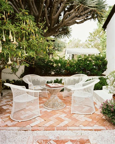 brick patio photos design ideas remodel and decor lonny