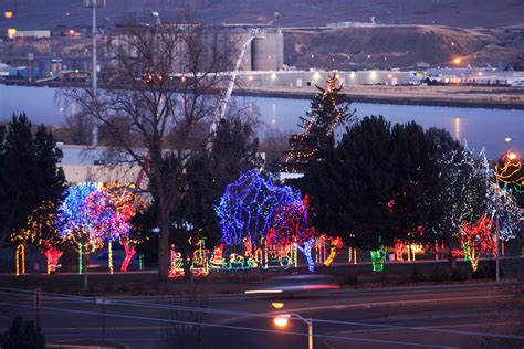 meridian id christmas lights decoratingspecial com