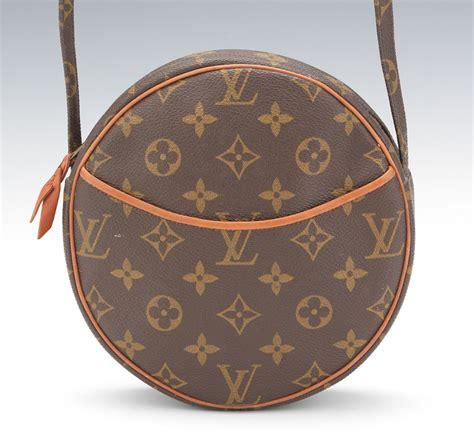 Louis Vuittoncircle For louis vuitton vintage monogram canvas crossbody bag