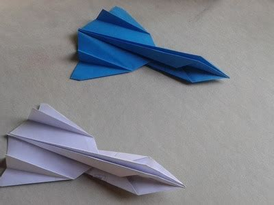 How To Make A Paper Sr 71 Blackbird That Flies - origami crafts moravian tutorial paper