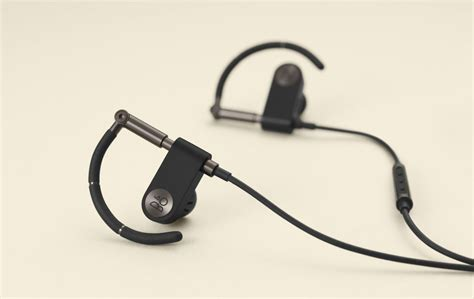 Olufsens Earset 2 Bluetooth Headset Gets Reviews by B O Play Earset Gives Classic Headphones A Bluetooth