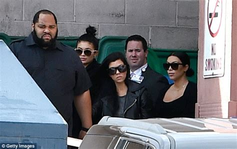 khloe kardashian supports kylie jenner during her big lips drama khloe kardashian thanks fans for support following lamar