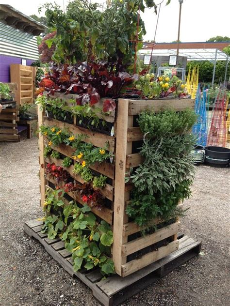 Diy Pallet Vertical Garden Diy Pallet Gardens 20 Creative Ways To Use Pallets 99