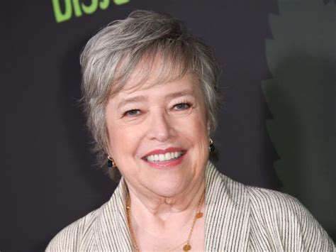 Lawyer Turned Mba by Disjointed S Kathy Bates On New Netflix Comedy The