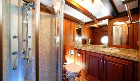fitted en suite bathrooms levent kaptan classic yacht gulet holiday turkey yacht