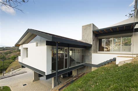 casa d ladera galer 237 a de casa en ladera aarcano arquitectura 9