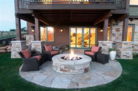 Amazing patio with firepit ideas