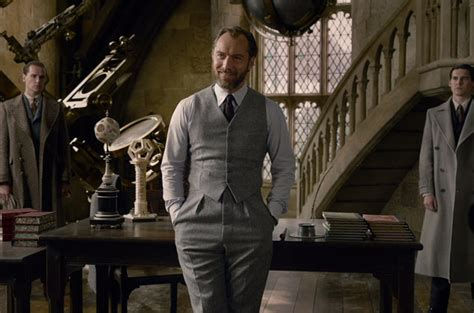 fantastic beasts the crimes of grindelwald trailer jude law plays a youthful albus dumbledore in fantastic