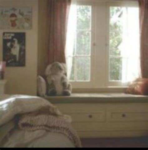 elena gilbert bedroom the o jays window seats and the vire diaries on pinterest