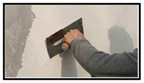 rasatura muri interni realizzazione di intonaci interni con finitura a gesso