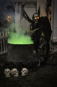best 25 scary outdoor halloween decorations ideas on