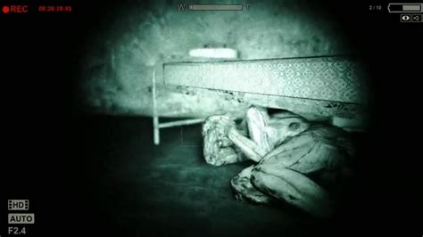 hiding under bed let s play outlast hiding under your bed part 10 youtube