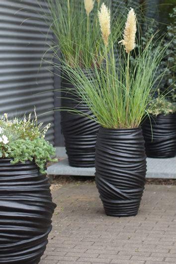 hang planten bloemen buiten design bloempotten artiplant moderne design vazen en